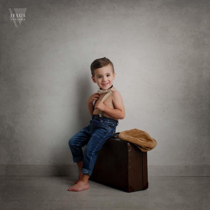 Cartel presentación Taller de Fotografía Infantil con Jesús Vergara para AFPV